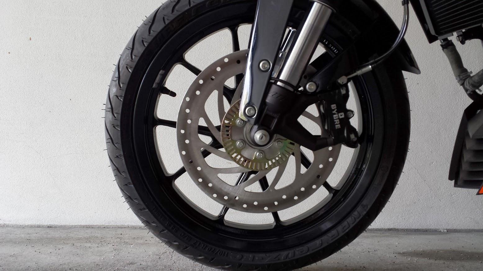 KTM Duke 125 ABS - Leiria 20140322_135633