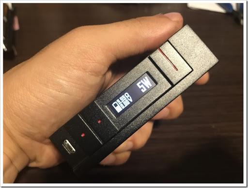 IMG 4499 thumb - 【カクカク】「VOOPOO Alfa One 222W」(ヴープー・アルファワン)レビュー!90年代を思わせる独特のSF感あるハイパワーMOD、222Wを使いこなし、究極の爆煙マンを目指せ!【テクニカル/SF/デザイナーズ】