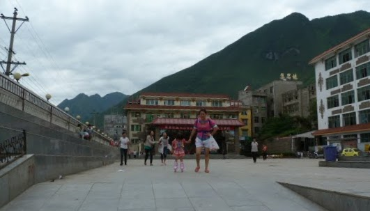 CHINE.SICHUAN.LEI BO,petite ville , escale pour aller à XI CHANG - 1sichuan%2B628.JPG