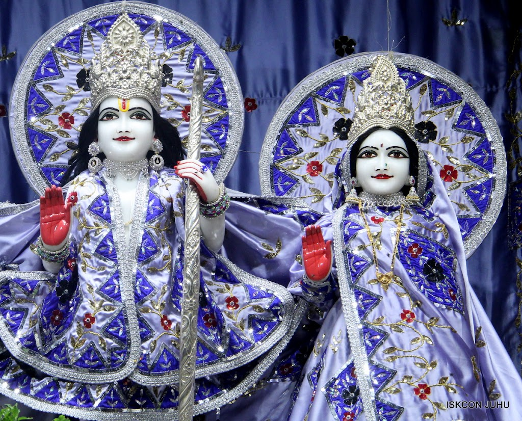 ISKCON Juhu Mangal Deity Darshan on 7th July 2016 (6)