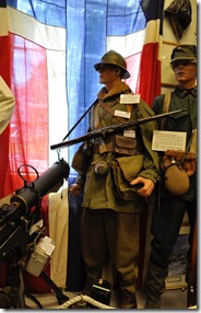 9 svolaer musée, soldat Français
