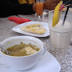 Onion soup, garlic bread, and a banana-chili shake.  Nice!