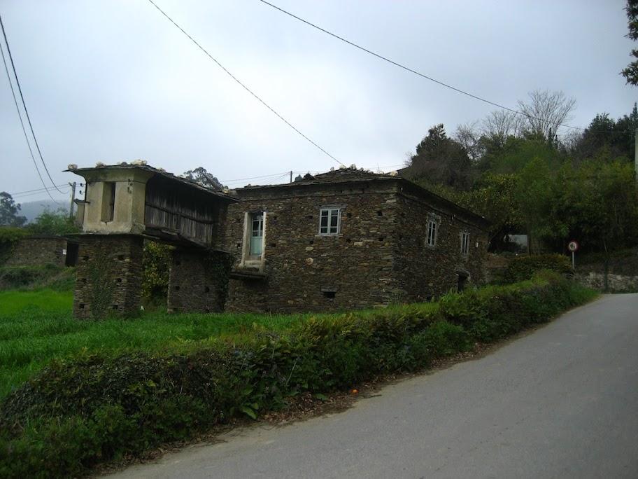 Casa de piedra en venta zona vegadeo asturias 240m2 con for Piedra royal veta precio