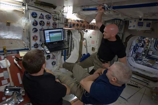 nasa,astronaut,tv-in-space