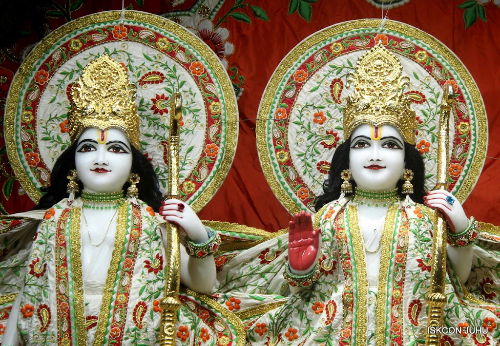 ISKCON Juhu Mangal Deity Darshan on 28th June 2016 (7)