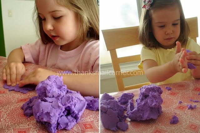 Hình ảnh trên chỉ mang tính chất minh họa thêm cho sản phẩm Cát nặn siêu nhẹ màu tím