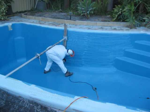 Swimming Pool Maintenance and Cleaning in Saudis
