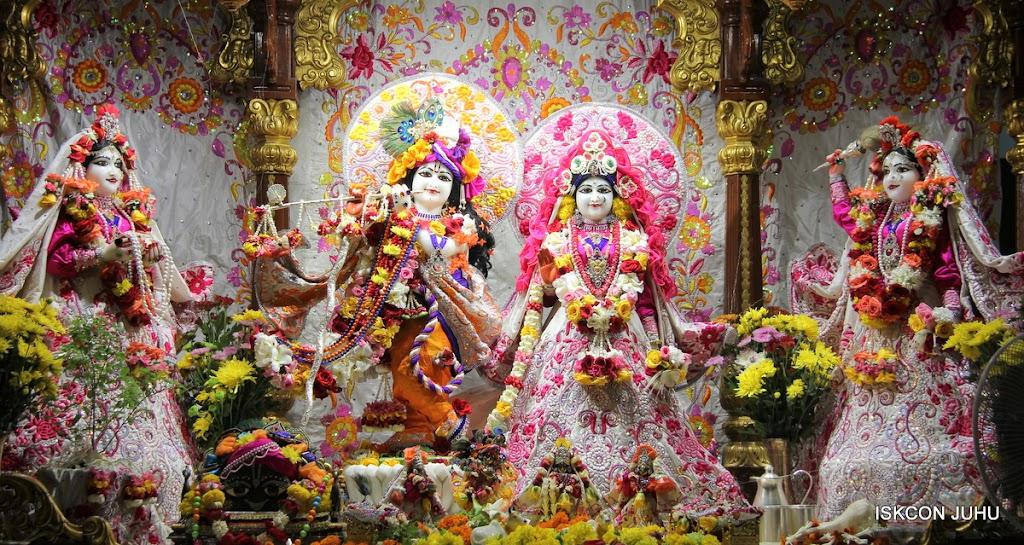 ISKCON Juhu Sringar Deity Darshan on 11th Aug 2016 (3)