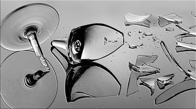 entropia da quebra de um copo