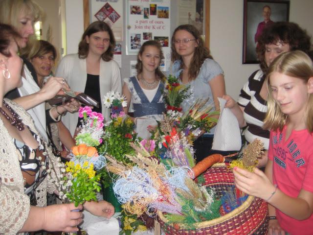 4.16. 2011 Przygotowannie Palm i sprzedaz 4.17.2011 palm, barankow, babek. - IMG_7828.JPG