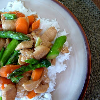 Chicken and Asparagus Stir Fry in a Honey Ginger Sauce.