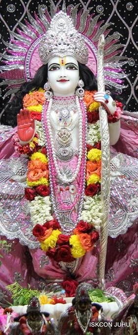 ISKCON Juhu Sringar Deity Darshan 05 Mar 2016 (28)