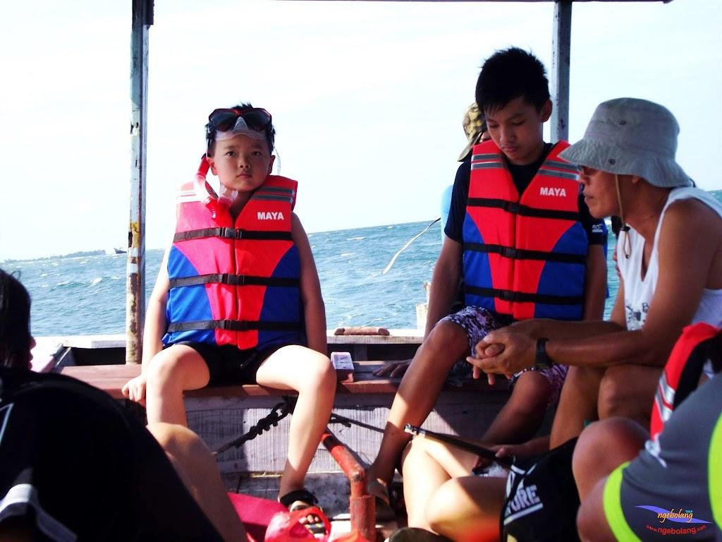 family trip pulau pari 140716 Fuji 058