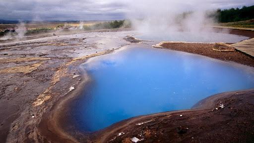 Hot Spring, Geysir, Iceland.jpg