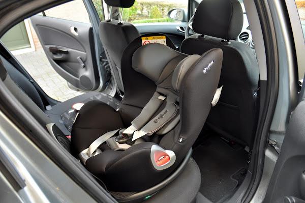 Cybex Sirona Autostoeltje in Opel Corsa