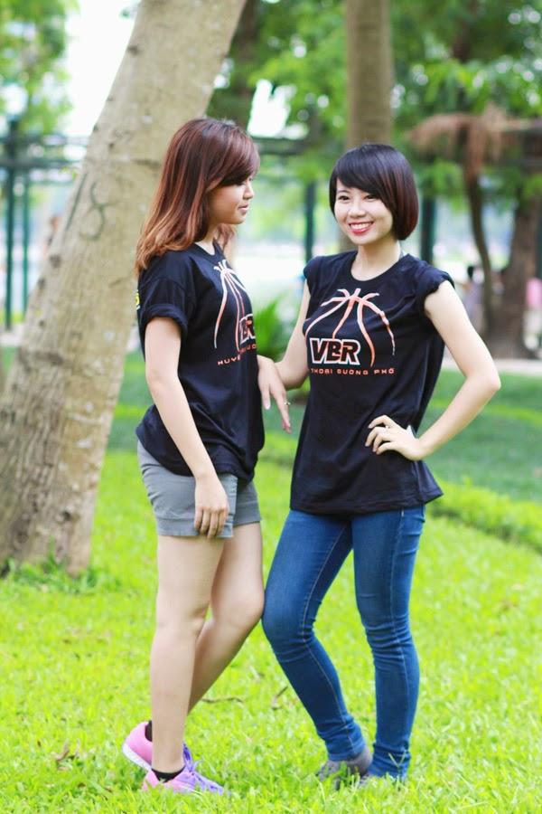 Thí sinh Miss Bóng Rổ khoe sắc tại công viên 10