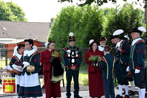 Koningschieten Sint Theobaldusgilde overloon 01-07-2012 (121).JPG