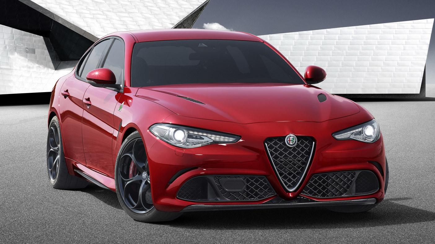 2016-Alfa-Romeo-Giulia-Sedan-01.jpg