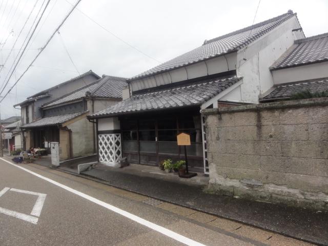 </p>  <p>商家の面影を残す「塗り家造り」吉田家 東海道五十三次