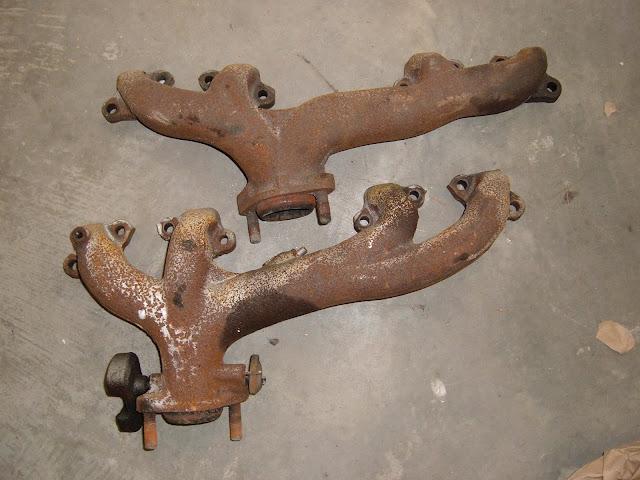 1961 364-401-425 manifolds, lt 175.00. RT 125.00