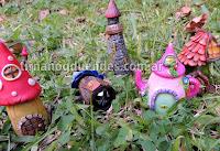 Llamador de espíritu del hogar Casitas de porcelana con cascabel gigante.  Variedad de modelos. Ventas por mayor y menor www.tirnanogduendes.com.ar