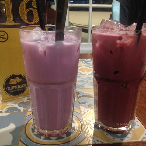 maniak-makan-iced taro-iced red velvet-yellow truck-solo