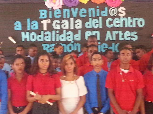 El Liceo de arte Ramón Oviedo realizó su primera gala artistica con demostración en varias ramas del arte y la cultura.