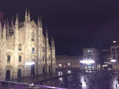 Piazza del Duomo at night