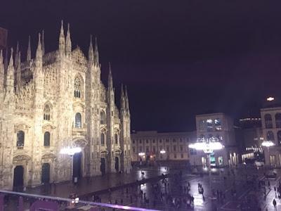 Piazza del Duomo at night