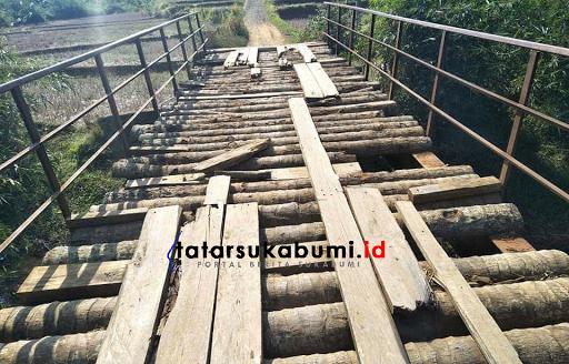 Jembatan Penghubung 2 Kawasan Wisata di Sukabumi Rusak Parah