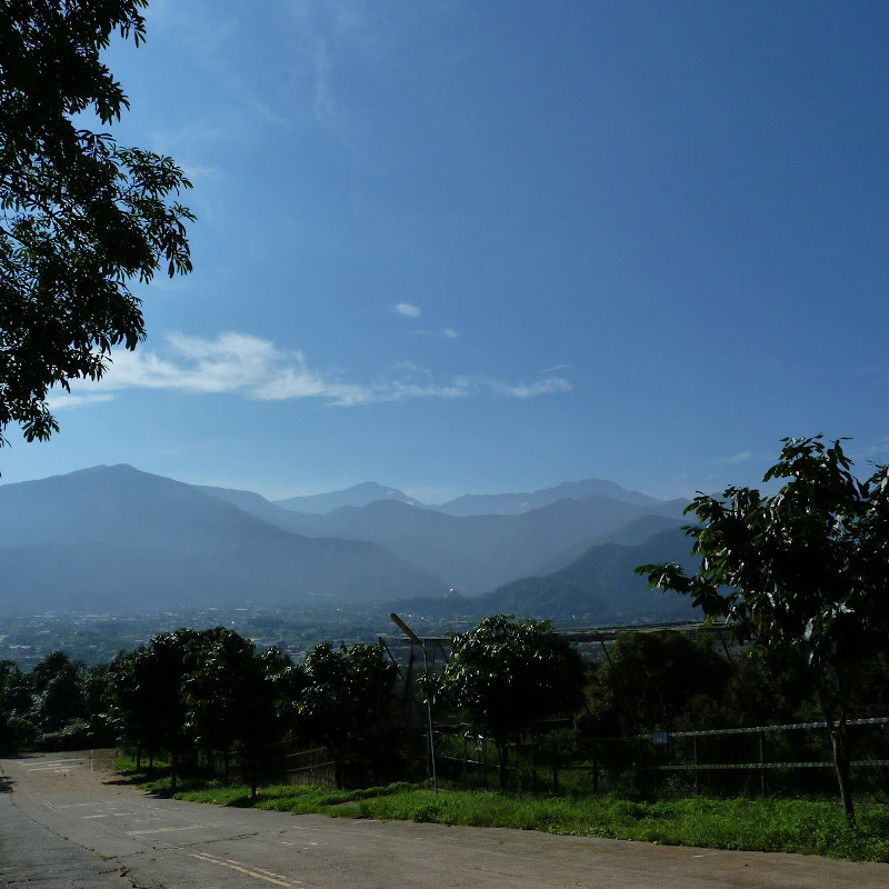 Puli  en passant , entre autres, par les villages de l ethnie Bunum de Loloko et Dili. J 10 - P1160749.JPG