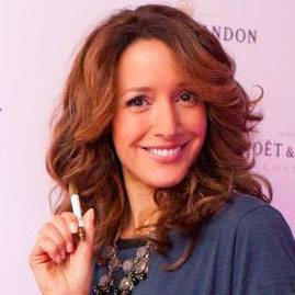Jennifer Beals Profile pictures, Dp Images, Display pics collection for whatsapp, Facebook, Instagram, Pinterest, Hi5.