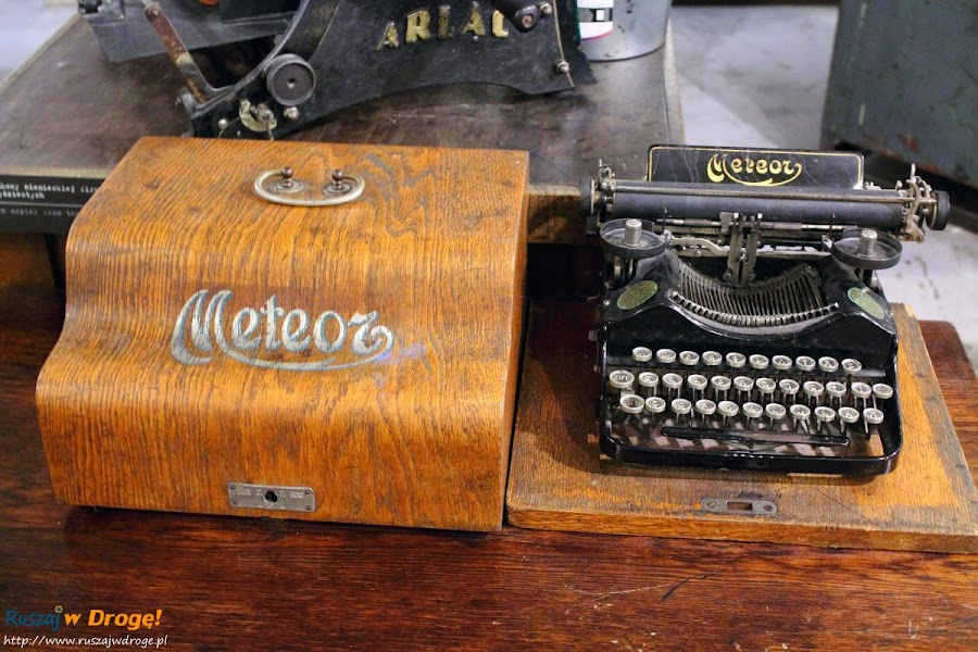 muzeum powstania warszawskiego - maszyny do pisania