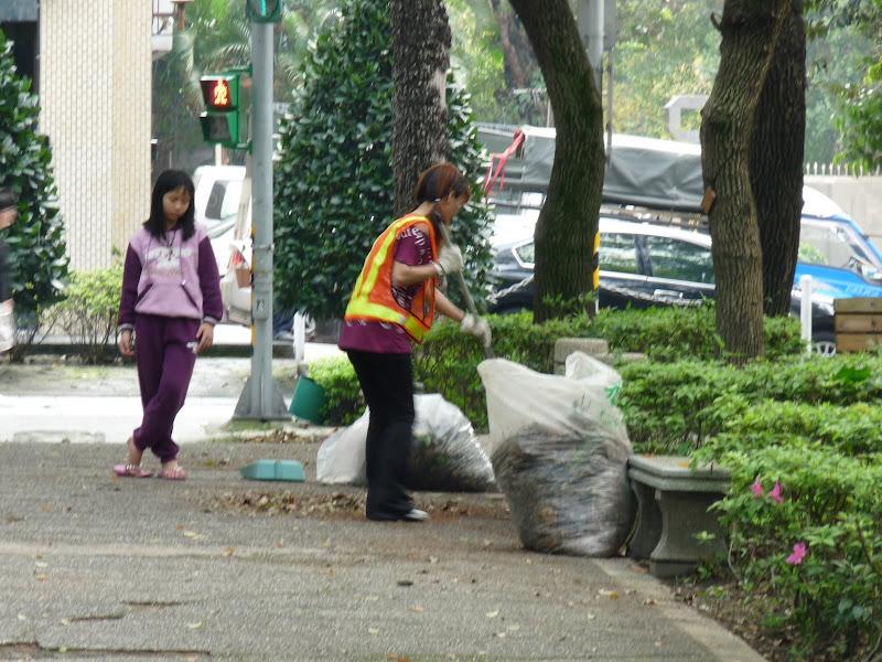 TAIWAN . Taipei De Shandao Temple jusqu à T 101 à pied... - P1160265.JPG