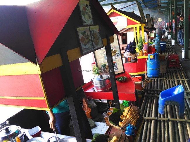 gambar di floating market bandung