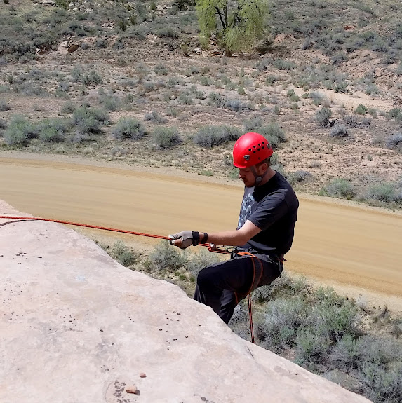 Rappelling in Buckhorn Wash