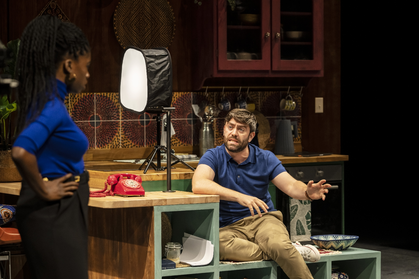 First Look: White Noise at the Bridge Theatre