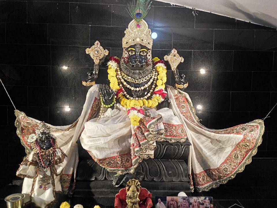 ISKCON Rajkot Deity Darshan 31 Dec 2016 (4)