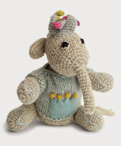 En Gry Sif Knitted Elephant