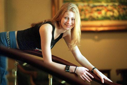 Alyssa Sutherland Profile Pics Dp Images