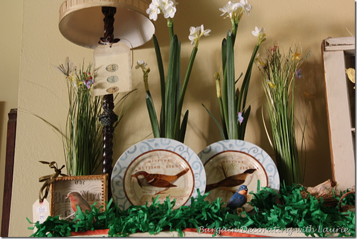 Bird Themed Mantel Decor