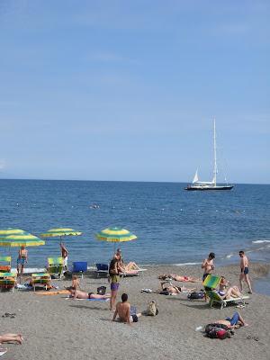 アマルフィ海岸で日光浴