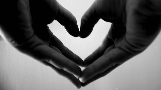 Đôi tay để trao tặng