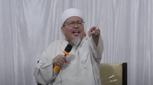 Saling balas cuitan antara Teddy Gusnaidi dengan MUI Ustad Tengku Zulkarnain terus berlanjut soal fatwa MUI.