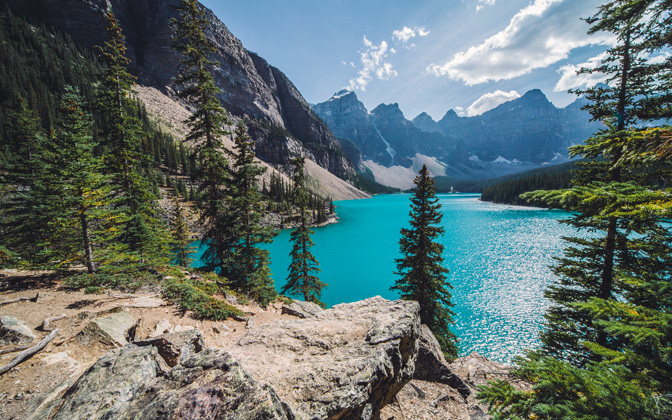 Sunny day over Moraine Lake by nwphoto1