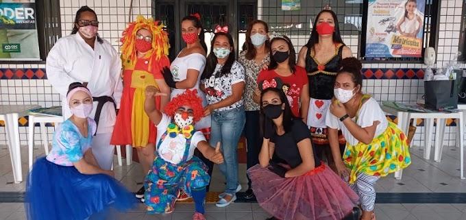 Escola comemora Dia das Crianças com alunos em sistema drive-thru