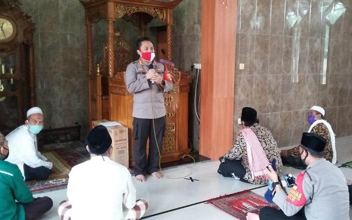 Jelang New Normal, Kapolresta Tangerang Gelar Jumat Keliling