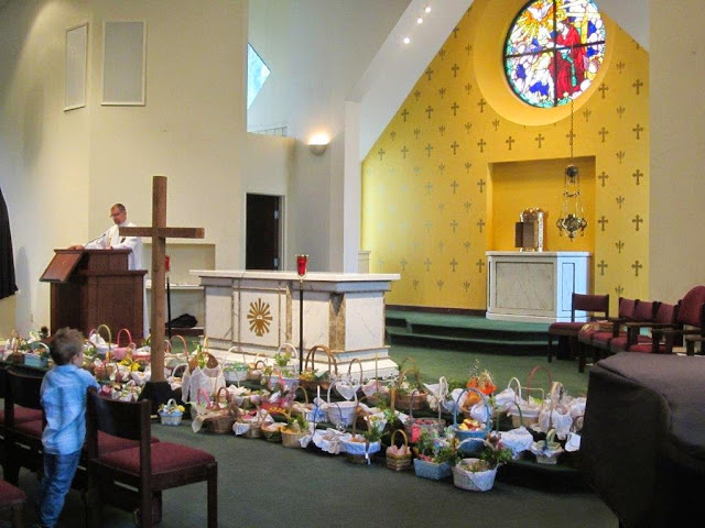 Blessing of the food 4.19.14 - 007.jpg