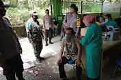 Perangkat Desa Kecamatan Wonosamudro Dapatkan Divaksin Tahap I