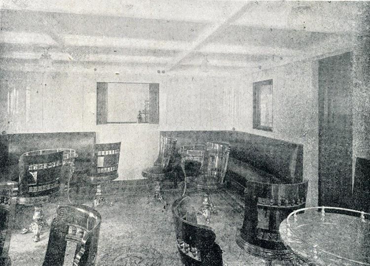 Vapor ALFONSO XIII. Salón fumador de 2ª clase. Del Libro de Informacion para el Pasajero. Compañia Trasatlantica. Año 1908.jpg